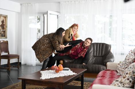 Serial Adela, episodul 29 si episodul 30, din 22 aprilie 2021. Gina află că Adela este fata lui Paul și este într-o mare primejdie