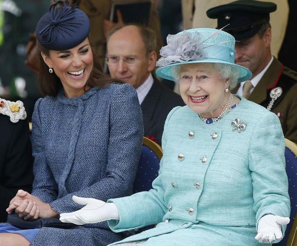 Regina Elisabetea și Kate Middleton