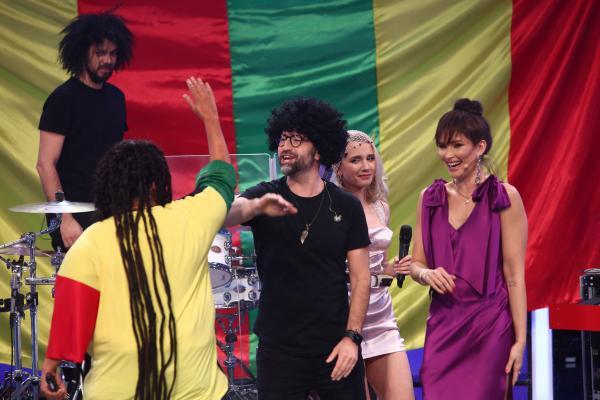Emilia Popescu, bătând palma cu Lulu, la TCDU, Gala 12