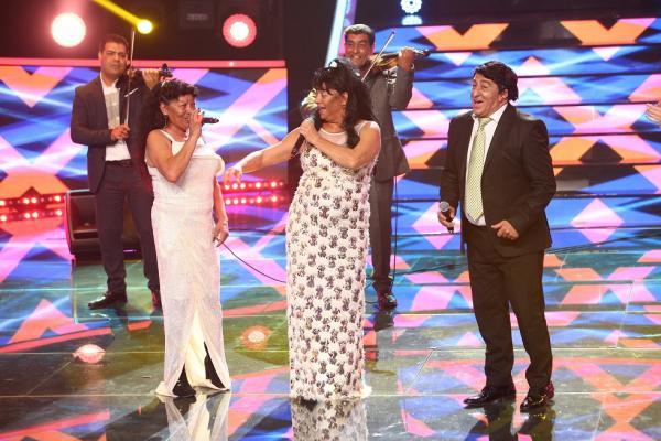 Adriana Trandafir și Romică Țociu pe scena, alături de Viorica Rudăreasa