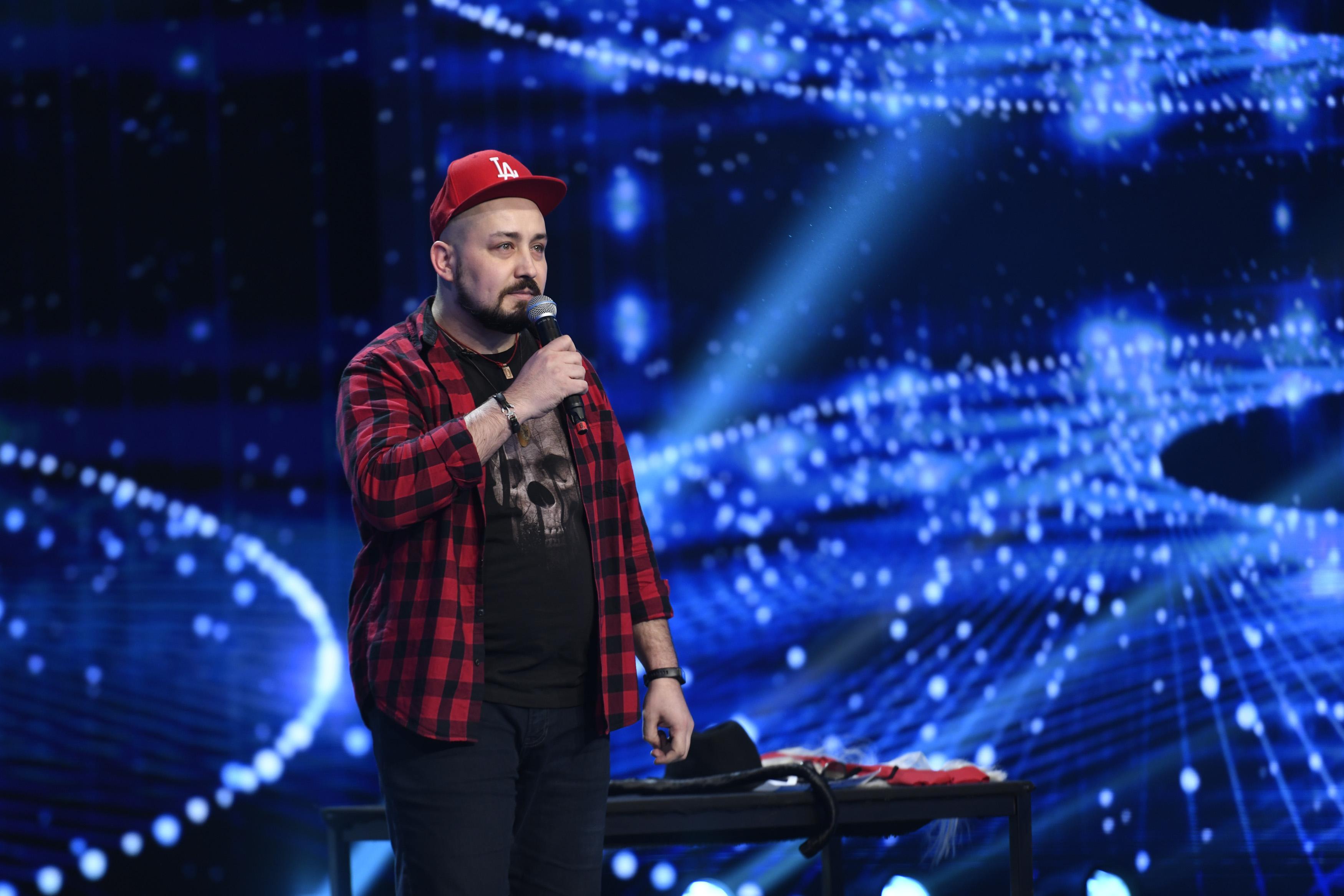"""iUmor, 28 aprilie 2021. Bogdan Dărădan a venit la iUmor hotărât să NU facă stand-up. """"E clar că are o problemă gravă"""""""