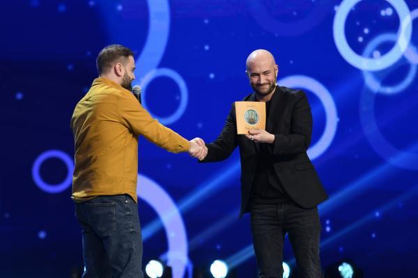Gabriel Dumitriu pe scena iUmor și Mihai Bendeac
