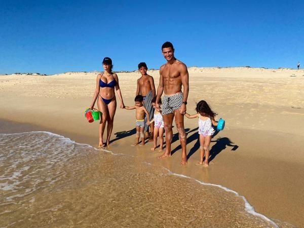ronaldo si familia