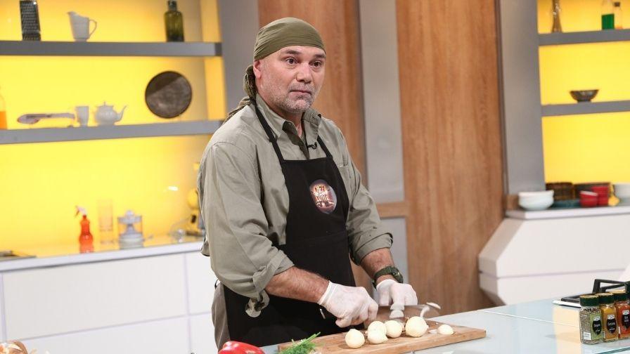 """Chefi la cuțite, 6 aprilie 2021. Creatorul primului hotel de gheață de la Bâlea Lac gătește """"ciorbă de pietre"""""""