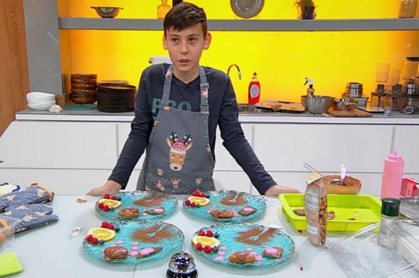 Luca Lazarof a preparat mousse de ciocolată cu migdale caramelizate și spumă de zmeură