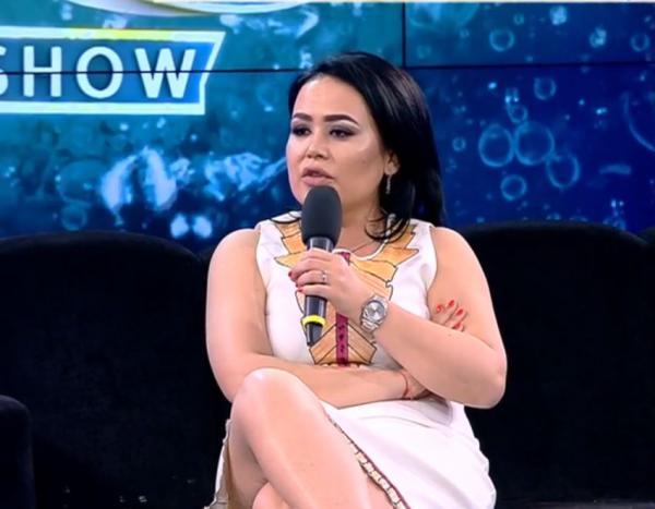 mihaela moise imbracata in alb la xns in 2021