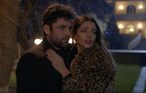Serial Adela, episodul 25 si episodul 26, din 8 aprilie 2021.Andreea este atacată de asasinul părinților lui Mihai