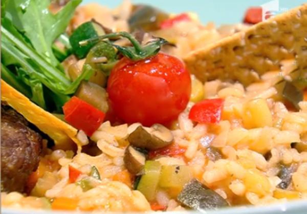Gustul pilaf sârbesc este înnobilat de savoarea ingredientelor de la maggi, bază pentru mâncăruri culegume