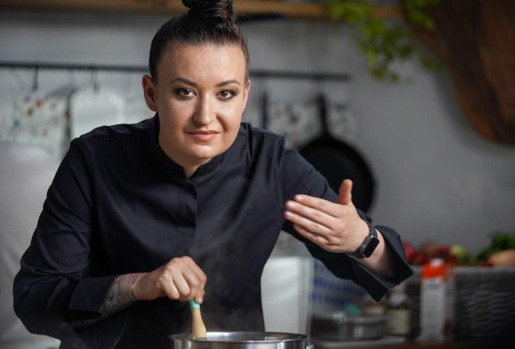 Hello Chef, episodul 1. Rețeta de cartofi dauphinois a Roxanei Blenche. Ingrediente și mod de preparare
