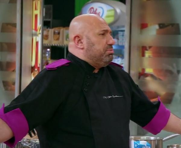 """Cătălin Scărlătescu, nervos, în bucătăria emisiunii """"Chefi la cuțite"""", sezonul 9"""