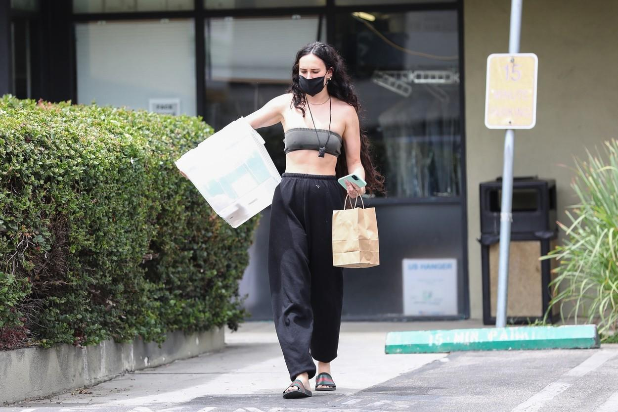 Rumer Willis a ieșit pe stradă într-o ținută nepotrivită. Cum a fost surprinsă fiica lui Demi Moore|EpicNews