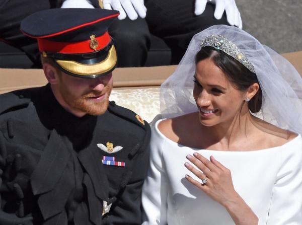 Prințul Harry și Meghan Markle, la nunta lor, în 2016. Meghan este în rochia de mireasă