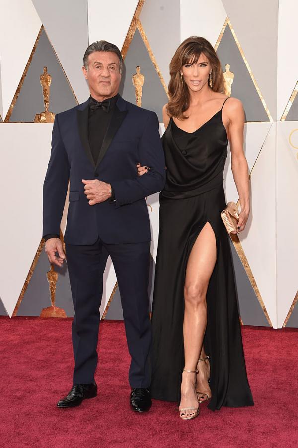 Sylvester Stallonea și Jennifer Flavin pe covorul roșu