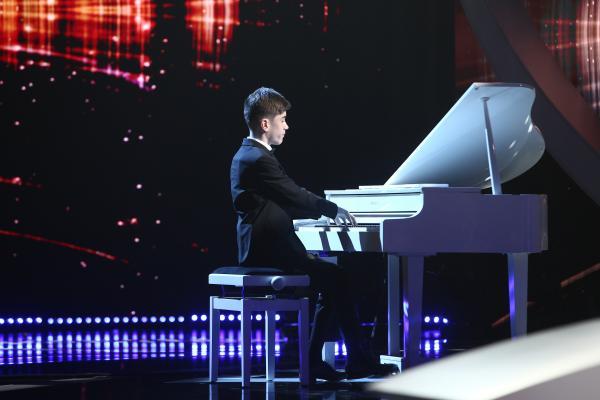 Amir Bălteanu pe scena Next Star