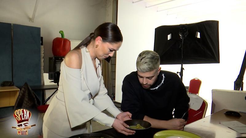 Irina Fodor și Speak, degustând farfurii