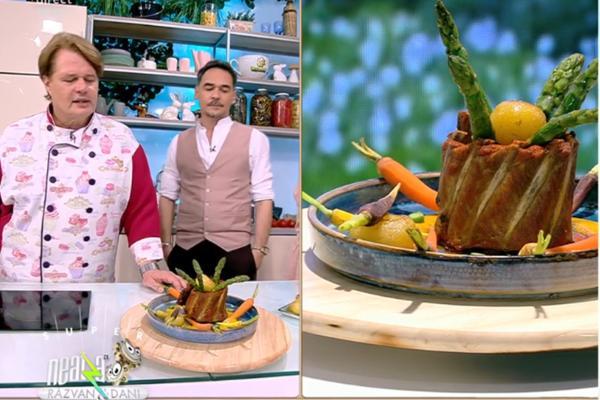 Coaste de porc la cuptor cu garnitură de legume și sos fructat, pentru masa de prânz
