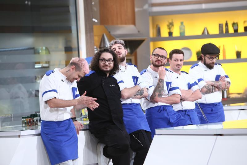 Florin Dumitrescu și echipa albastră la chefi la cutite