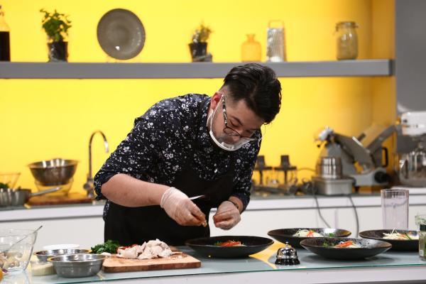 Rikito Watanabe în preselecțiile Chefi la cuțite