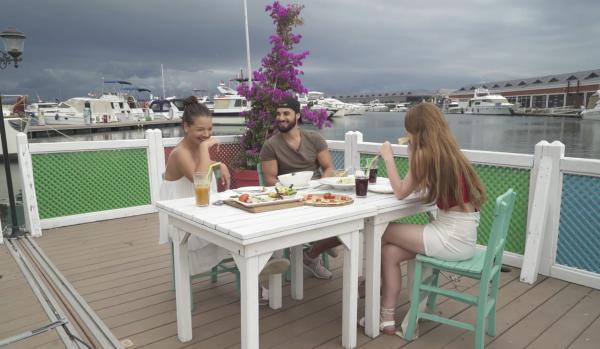 Andi, Oana și Ornella au avut parte de o întâlnire inedită