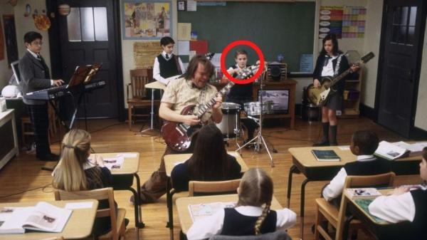 Kevin Clark și ceilați colegi actori, secvență din filmul School of Rock