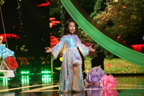 Next Star, 29 mai 2021. Liu Nan Funaru a strălucit ca luna de pe cer, într-un decor de poveste. Jurații au plâns după momentul ei