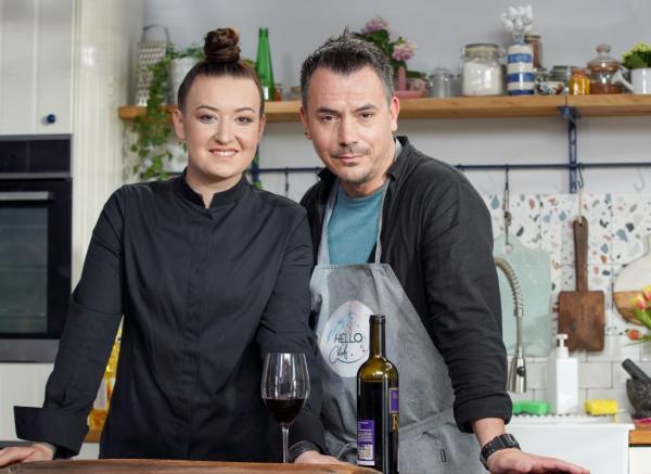 Răzvan Fodor și Chef Roxana Blenche, la masa de gătit