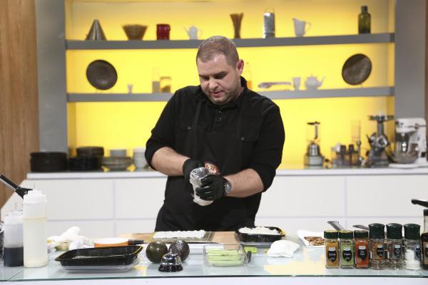 Alexandru Bădițoaia în bucătăria Chefi la cuțite