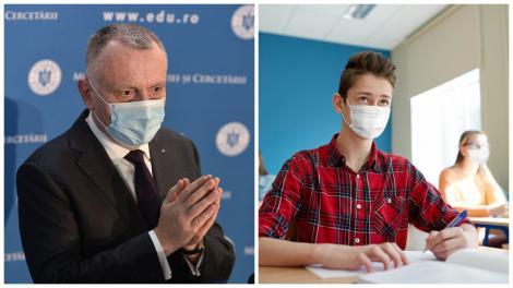 Colaj cu ministurl Educației Sorin Cîmpeanu în sacou și un elev, în bancă, purtând mască de protecție și cămașă în carouri