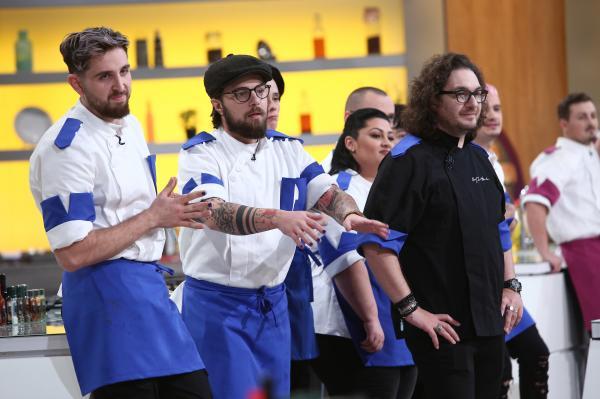 florin dumitrescu si concurentii din echipa albastra de la chefi la cutite, sezonul 9