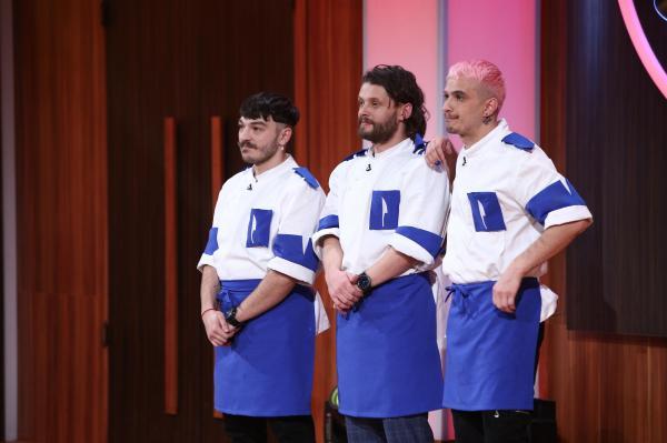 Radu Micu, alături de alți doi membri ai echipei albastre de la Chefi la cuțite