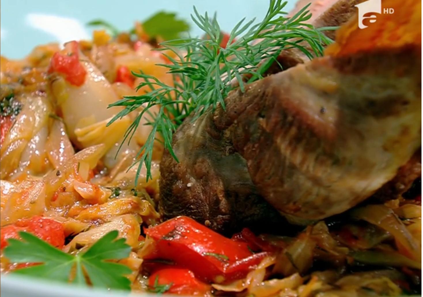 Rețetă de rață pe varză, preparată de Vlăduț la Neatza cu Răzvan și Dani