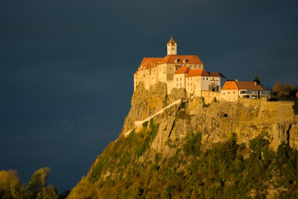 Castelul din Riegersburg, văzut seara