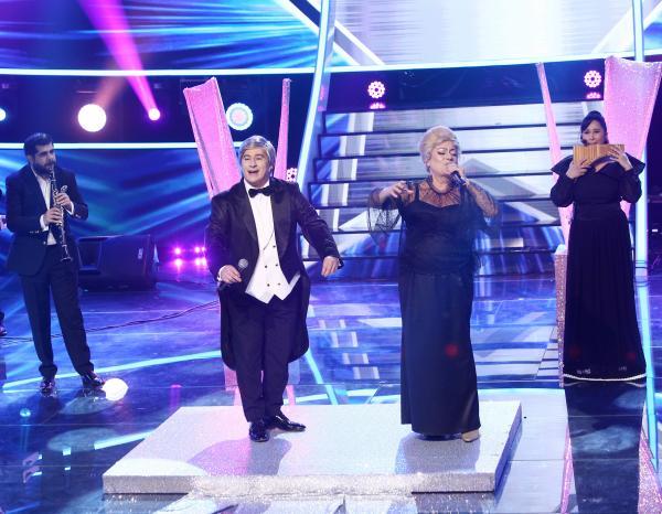 Adriana Trandafir și Romică Țociu pe scena Te cunosc de undeva