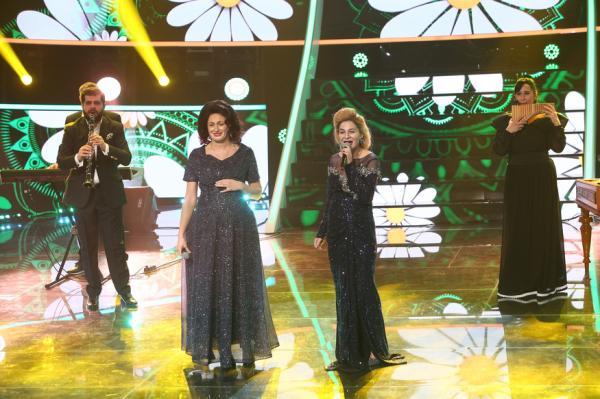 Ana Baniciu și Raluka pe scena Te cunosc de undeva