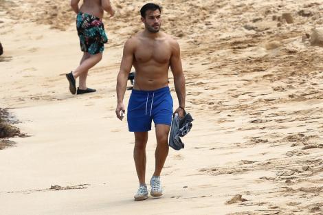 Iubitul lui Britney Spears și-a arătat mușchii la plajă. Cum a fost fotografiat Sam Asghari