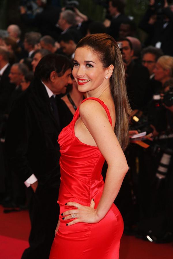 Natalia Oreiro, într-o rochie roșie