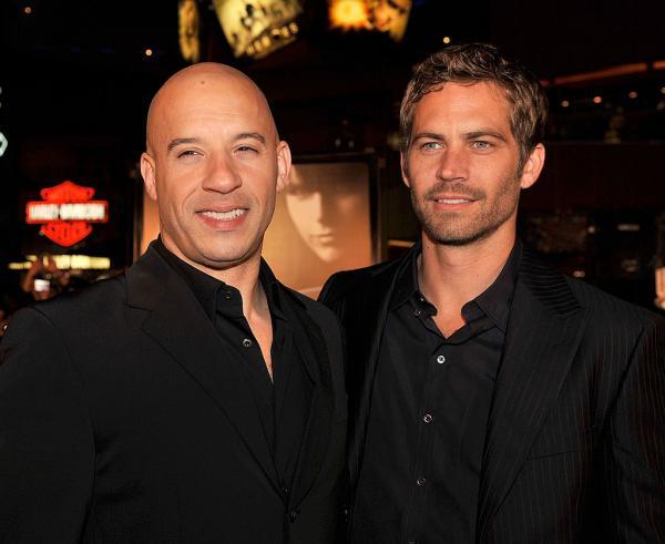 Paul Walker și Vin Diesel în negru