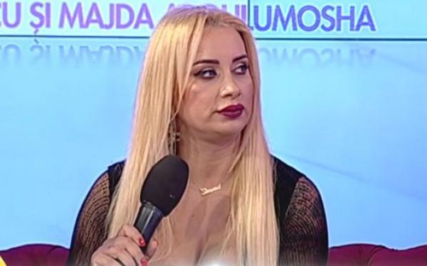 Simona Trașcă, îmbrăcată sexy, în negru, la tv