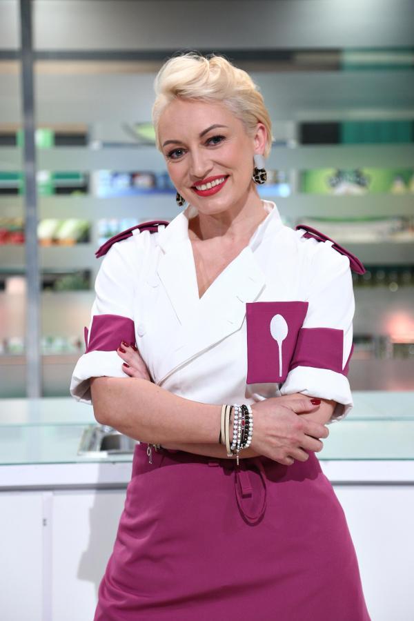 Nicoleta Pop, în uniforma mov, la Chefi la cuțite
