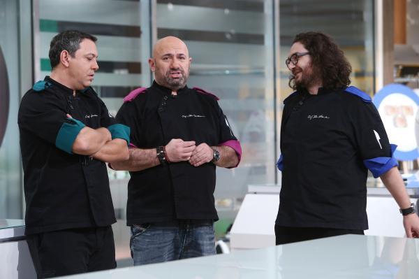 """Sorin Bontea, florin dumitrescu si catalin scarlatescu în bucătăria emisiunii """"Chefi la cuțite"""" sezonul 9"""