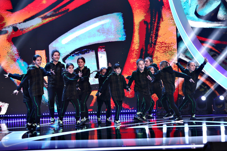Next Star, 12 iunie 2021. Trupa de dans Mini District, spectacol complet pe scenă, după ce au stins luminile. Cum au dansat