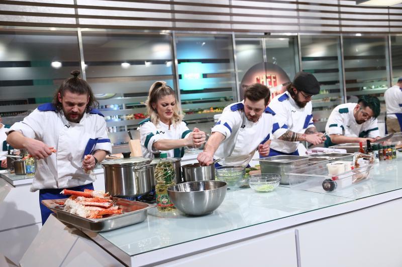 Elena Matei și ajutoarele sale, în finala Chefi la cuțite