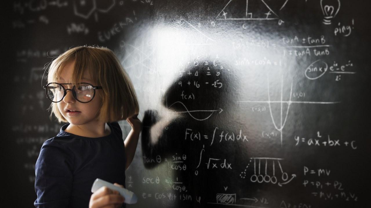 (P) Ce nu se învață la școală: de ce ar trebui să participi la cursuri de dezvoltare personală?