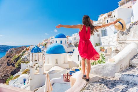 Veste importantă pentru turiști! Autoritățile din Grecia renunță la restricții importante