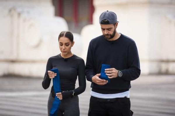 Speak și Ștefania în Asia Express, îmbrăcați în negru