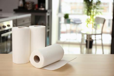 De ce ar trebui să pui șervețele sau prosoape de hârtie în frigider. Vei vedea imediat efectele