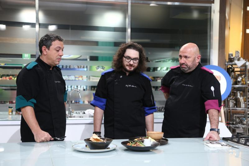 cei trei chefi in bucataria emisiunii chefi la cutite