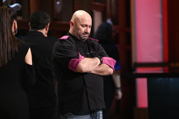Cătălin Scărlătescu, în platoul emisiunii Chefi la cuțite, la eliminare