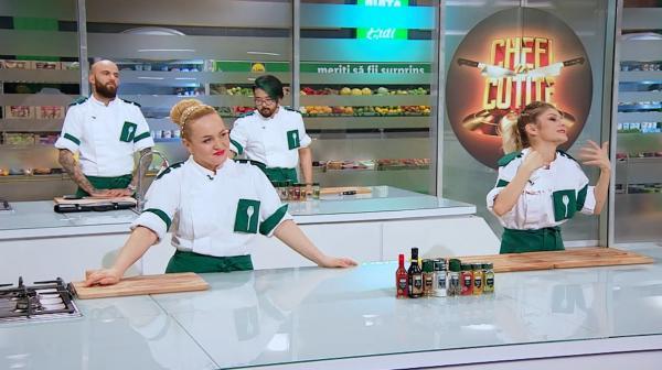 concurenții din echipa verde, la duel, la chefi la cutite