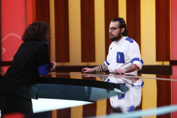 Ciprian Antone, discutând cu Florin Dumitrescu, după eliminarea lui de la Chefi la cuțite